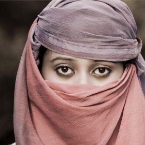 lady_female_woman_headscarf_eyes-1360784-1.jpg